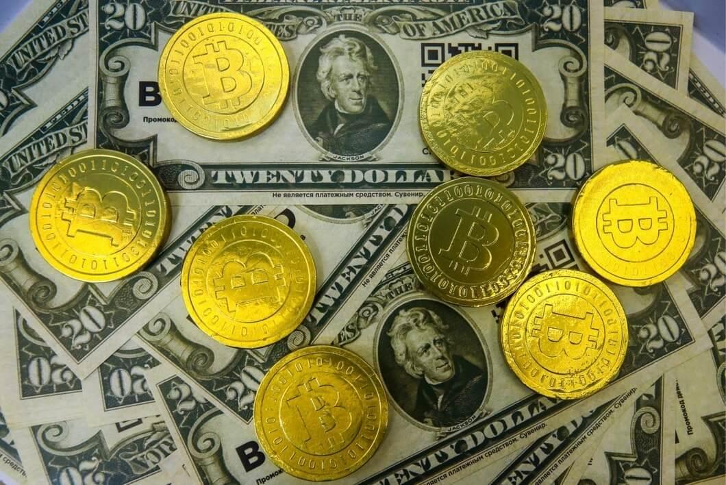 Атака финансовой системы на криптовалюту